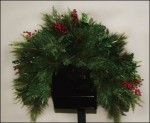 wrd011 holly berry mailbox garland decoration