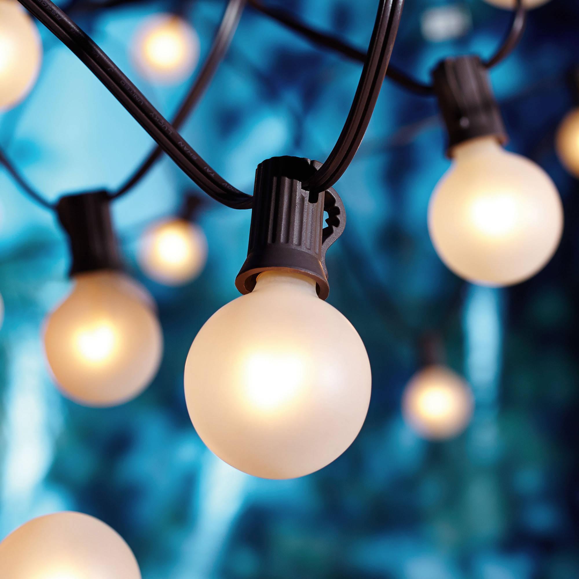 g 8 white bulb strand