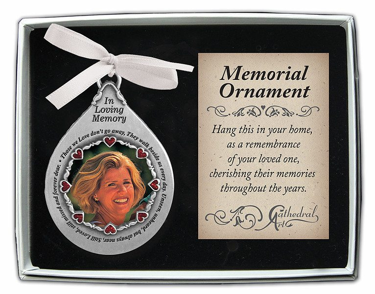 box061 in loving memory ornament