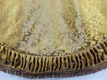 ts033 72 inch gold swirl tree skirt